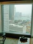 Вид из окна отеля. К услугам постояльцев – бинокль!