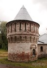 Одна из башен подворья