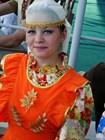 Девушка в народном костюме