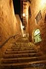 Улицы старого города выглядят очень загадочно и притягательно, особенно ночью, когда зажигают огни