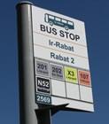 Табличка на автобусной остановке