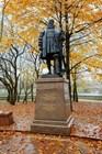 Памятник первому герцогу Пруссии Альбрехту