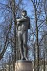 Памятник основателю российского театра Волкову