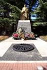 Памятник неизвестному солдату и вечный огонь