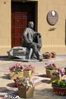 Памятник композитору Пономаренко у филармонии
