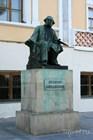 Памятник И. К. Айвазовскому