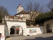 Главный вход в Шаллабург