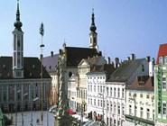 Rathausplatz в Санкт-Пёльтене