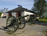 Пушки в крепости Линнойтус