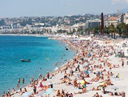 Пляж Ниццы летом