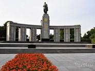 Мемориал павшим советским воинам