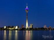 Вечерняя подсветка телебашни Rheinturm