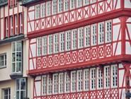 Фасад одного из зданий в Альтштадте