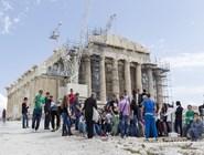 Туристы у Парфенона