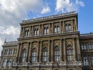 Здание Венгерской академии наук