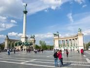 Памятник Тысячелетия на площади Героев