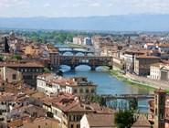 Вид на реку Арно и Флоренцию