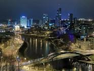 Ночная панорама делового района Вильнюса