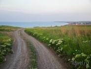 Вид на море и поселок Кучугуры со стороны грязевого вулкана