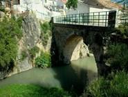 Средневековый мост в Гранаде