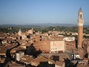 Панорама старой Сиены от церкви св. Климента