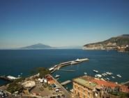 Вид на Везувий с побережья Сорренто