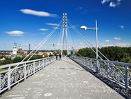 Тюменский пешеходный мост Влюленных