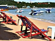 Оживленный пляж Паттайя-Бич