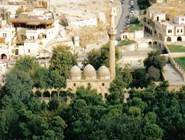 Мечеть рядом с пещерой, где родился Авраам