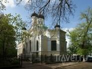 Церковь во имя святых Василия Великого, Иоанна Златоуста и Григория Богослова