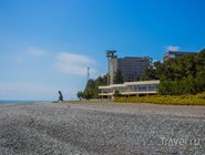 Галечный пляж Пицунды