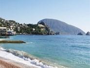 Побережье Черного моря у Гурзуфа