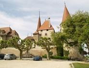 Замок в Аванше