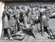 Барельеф на памятнике Нахимову