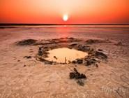 Рассвет над озером Эльтон