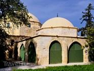 Двор мечети Хала-Султан-Текке в Ларнаке