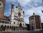 Вид на Кафедральный собор и Баптистерий
