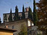 Замок на вершине