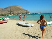 Лодки на пляже Mondello