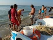 Рыбная ловля неподалеку от пляжа Metaponto