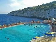 Популярный пляж Scanzano