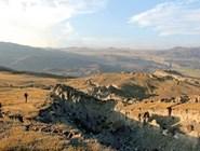 Долина реки Талдура. Здесь находился эпицентр землетрясения