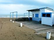 Пляж в Пезаро осенью