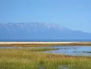 Устье реки Максимиха, Баргузинский залив и горы полуострова Святой Нос. Фото автора