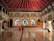 В Гуджарате особо почитают Кришну, поскольку здесь мифология размещает Дварку, древнюю столицу этого воплощения Вишну