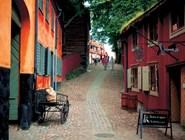 здесь можно увидеть целые улицы старого стокгольма или гётеборга