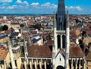 церковь Нотр-Дам возводилась с 1220 по 1250 год