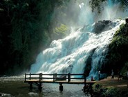 Водопад Панкада-Гранди (высотой 61 метр) на реке Кашуэйра-Гранди является частью заповедника