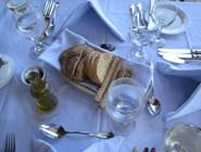 Традиционная сервировка стола, отель Elounda Village