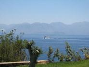 Море и горы острова Крит